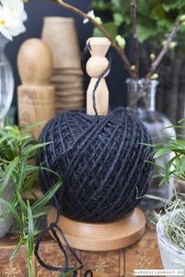 Hållare med stort nystan - svart